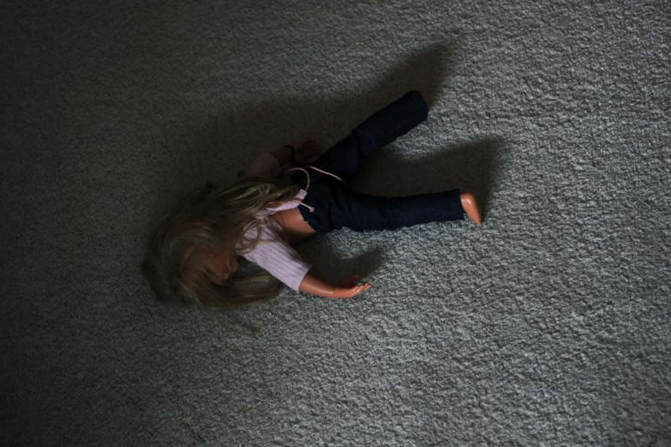 Der Kopf des Pädophilenrings war 2010 wegen sexuellen Missbrauchs zu vier Jahren und drei Monaten verurteilt worden. (Symbolbild)