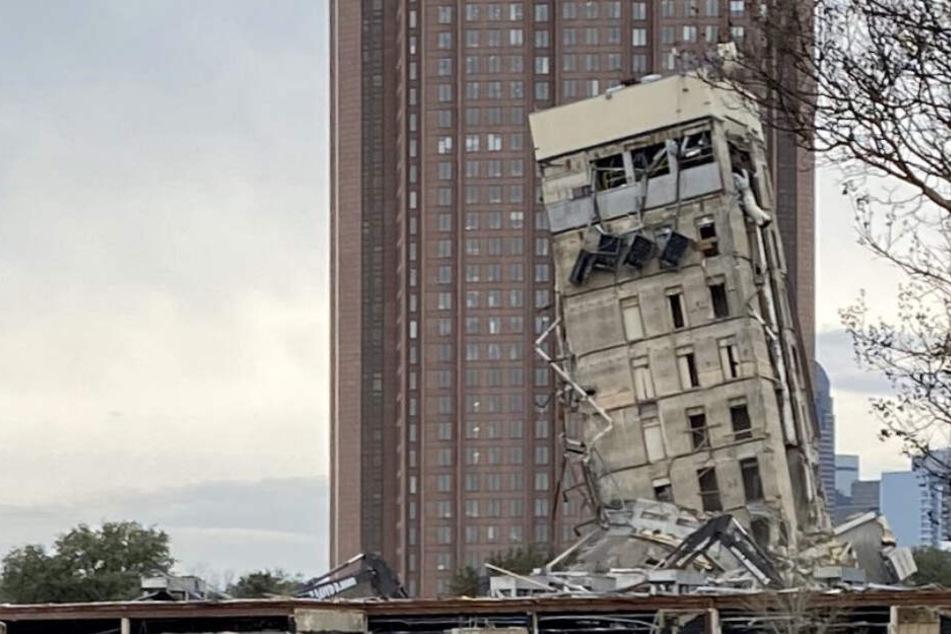 Dieses schiefe Haus macht dem Turm in Pisa Konkurrenz