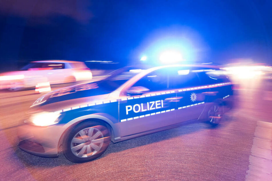 Eine 44-Jährige ist bei einem schweren Autounfall in der Nähe von Meißen gestorben (Symbolbild).