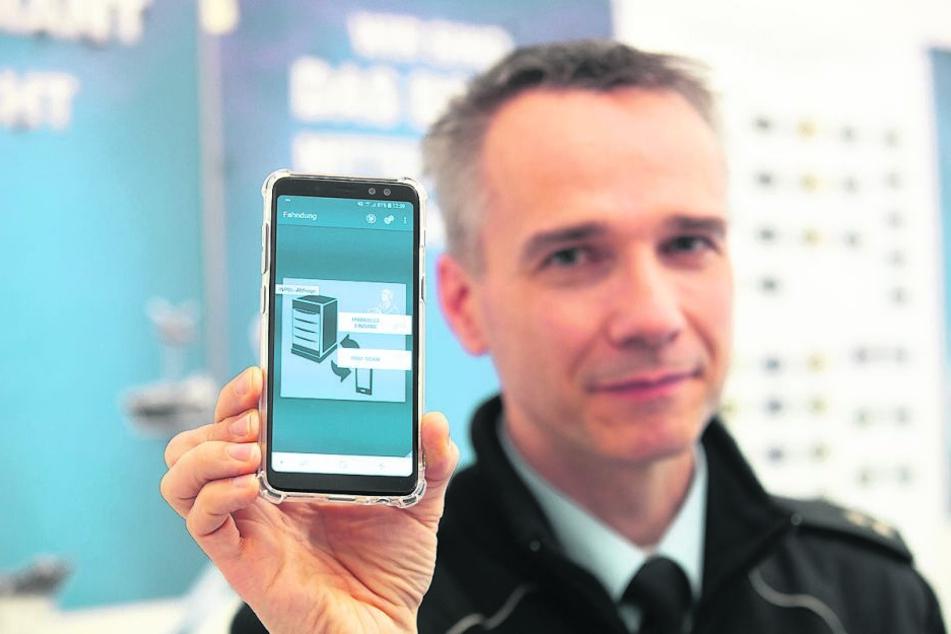 Seit diesem Jahr überprüfen auch die Dresdner Fahnder Verdächtige über eine App.