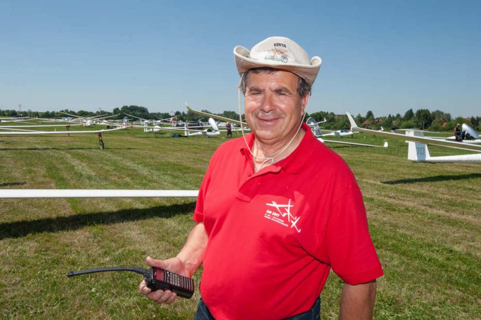 Vereins-Chef Joachim Lenk (62) freut sich über 68 Teilnehmer zur Meisterschaft.