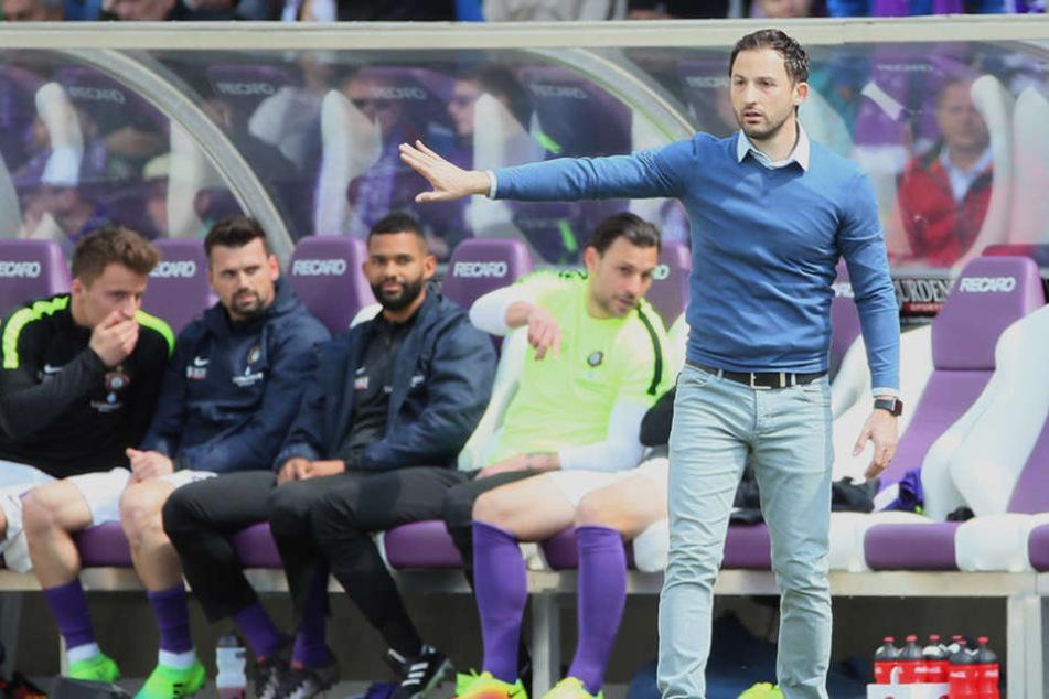 Aues Trainer Domenico Tedesco begann seine Trainerlaufbahn im Nachwuchs des VfB Stuttgart.