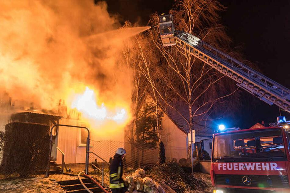 Mehrere Ortsfeuerwehren bekämpften den Brand.