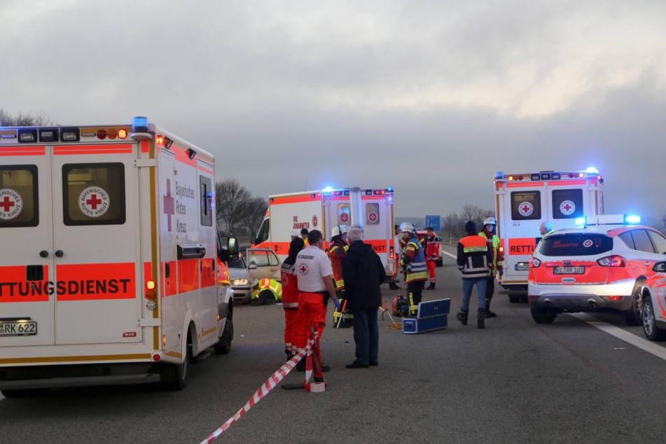 Ein betrunkener Autofahrer hat auf der A72 bei Borna einen Unfall verursacht, bei dem eine Familie schwer verletzt wurde. (Symbolbild)