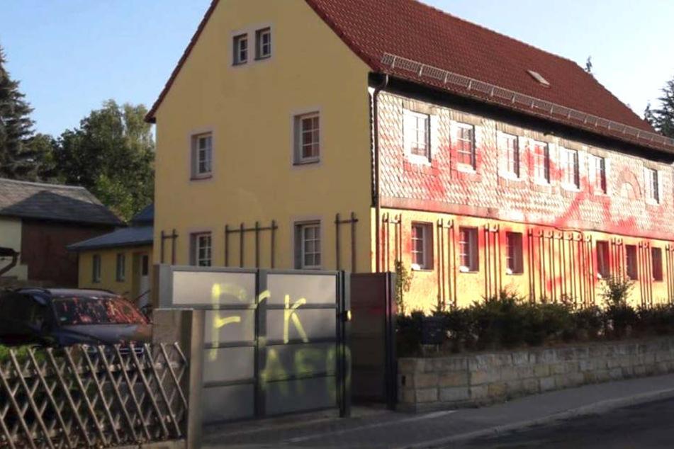 Farb-Anschlag! Auto und Haus von AfD-Politiker beschmiert