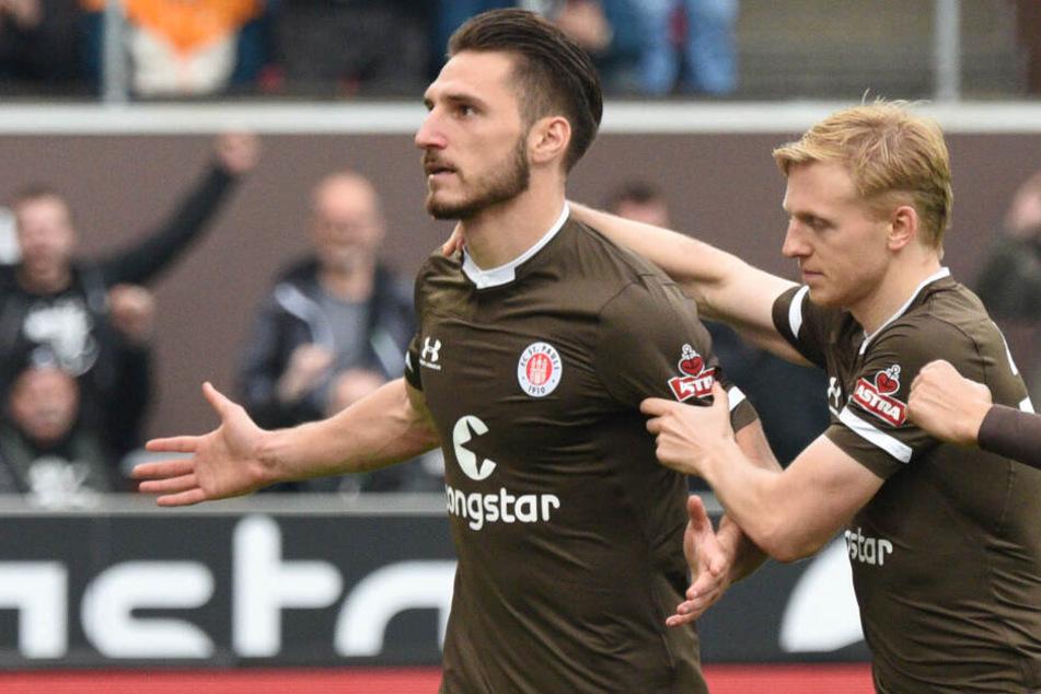 Dimitrios Diamantakos jubelt nach einem seiner sieben Saisontore.