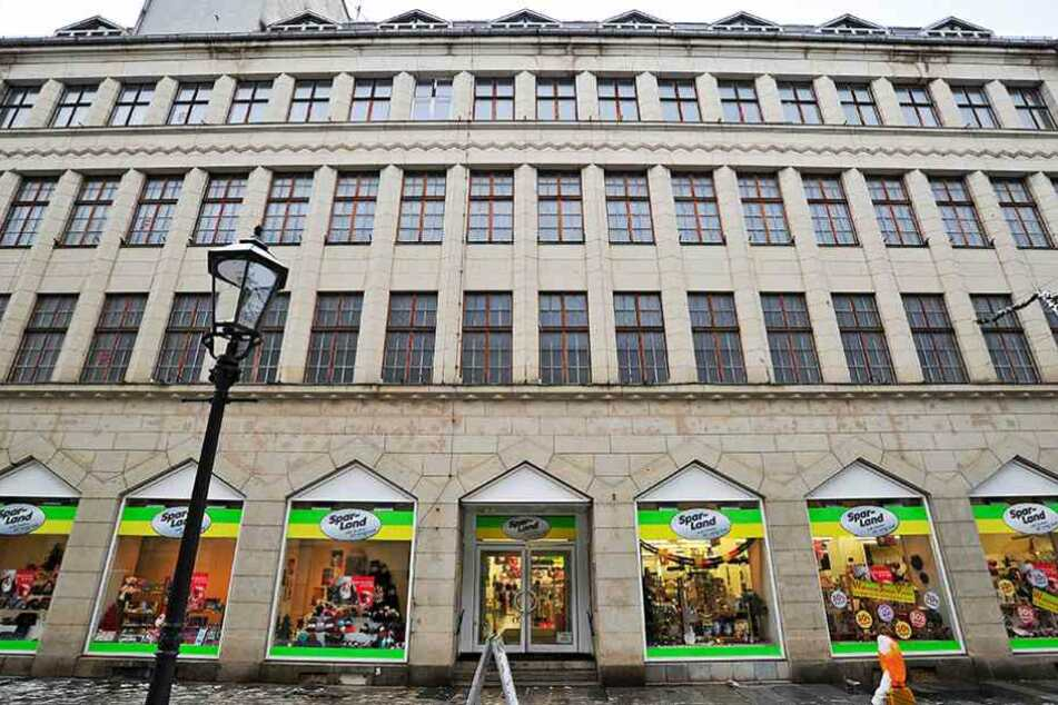 Grundstein einer Dynastie: In Zwickau gründeten die Gebrüder Schocken ihren Handelskonzern. Ihr Stammsitz verwaist nun schon seit 18 Jahren