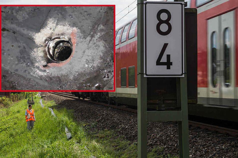 Junge wirft Rucksack über fahrenden Zug, dann klafft ein Loch in der Lok