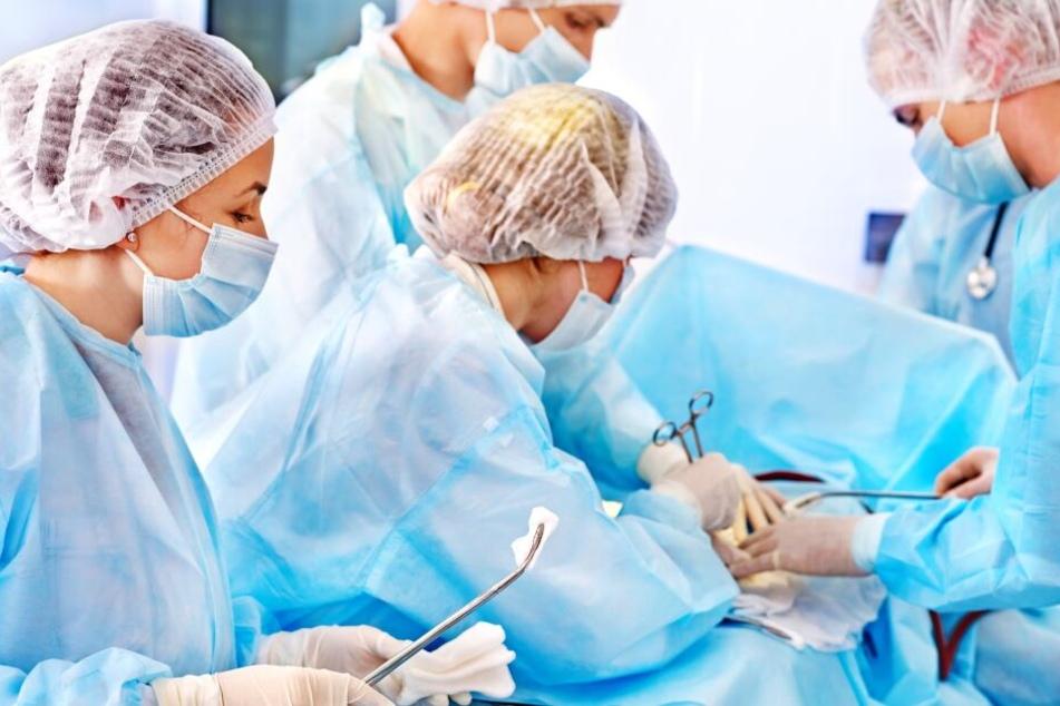 Ärzte beschnitten aus Versehen einen Patienten anstatt eine Blasenspiegelung durchzuführen.