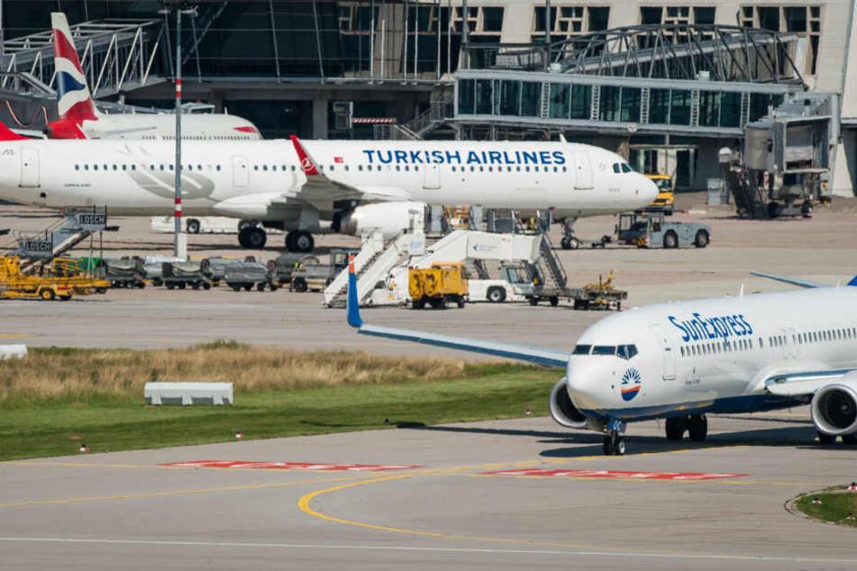 Die Flughafenpolizei von Antalya hat die Festnahme bestätigt.