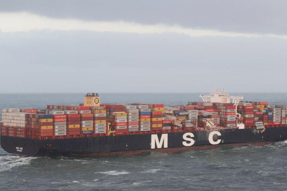 """Die """"MSC Zoe"""" hat 270 Container in der Nordsee verloren. Dutzende weitere wurden beschädigt."""
