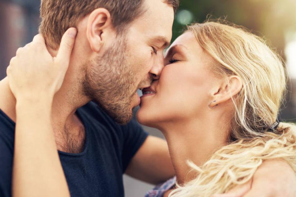 Laut Wissenschaftlern gilt küssen als gesund.