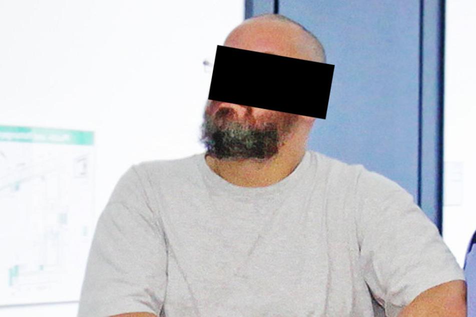 Mike B. (39) verkaufte schlüpfrige Sexspiele, ohne die heiße Ware  auszuliefern.