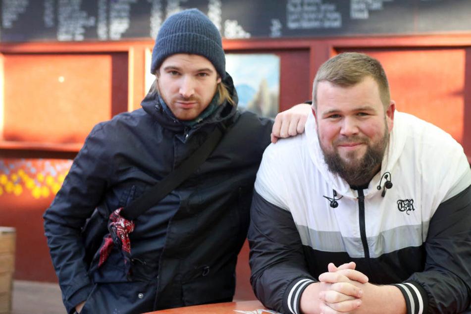 """Sänger Jan """"Monchi"""" Gorkow (rechts) und Christoph Sell von der Punkband Feine Sahne Fischfilet"""