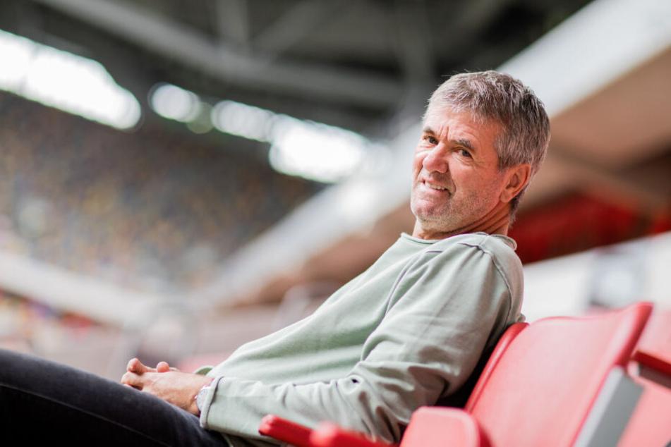 Trainer Friedhelm Funkel (65) will dem Fußball auch nach seiner Trainerkarriere erhalten bleiben.