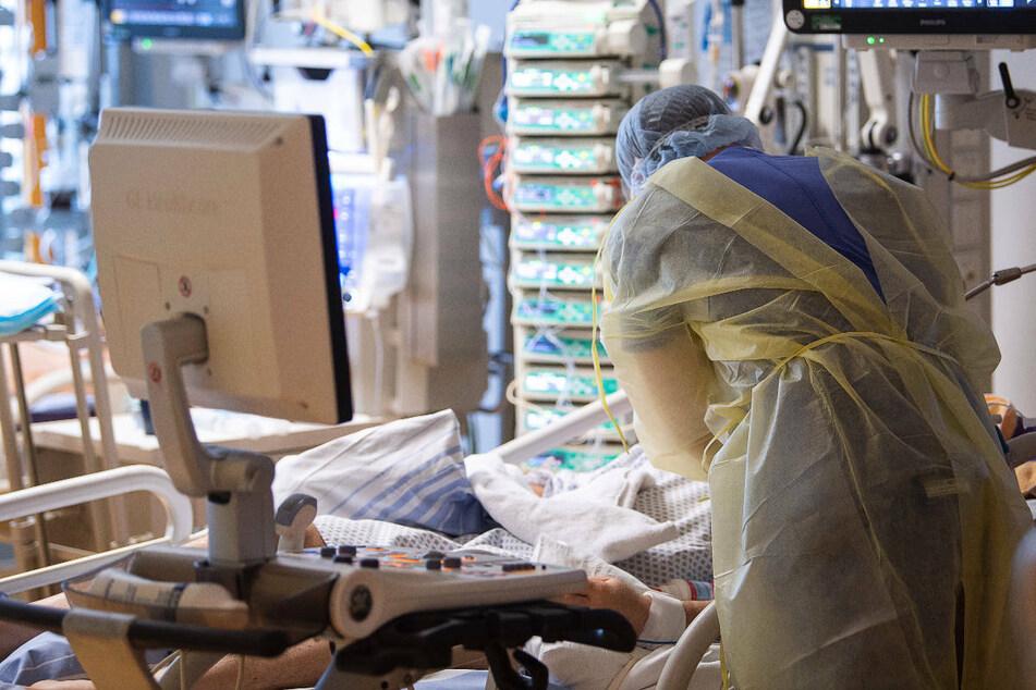 Das Modell der Wissenschaftlergruppe zeigt, dass die erwartete vierte Welle sich auch in den Krankenhauszahlen wieder niederschlagen wird. (Symbolfoto)