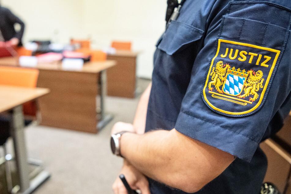 Nach dem antisemitischen Angriff an der Münchner Frauenkirche muss sich der mutmaßliche Täter vor Gericht verantworten. (Symbolbild)
