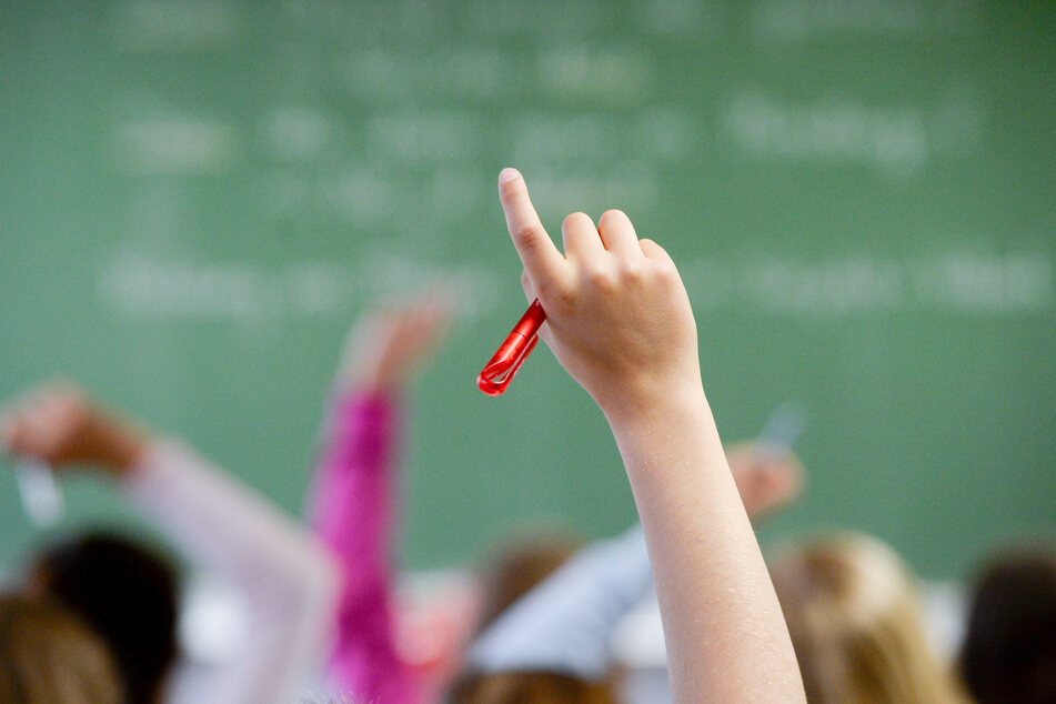 An den Schulen in Nordrhein-Westfalen wird es auch nach den Osterferien keinen regulären Unterricht geben.