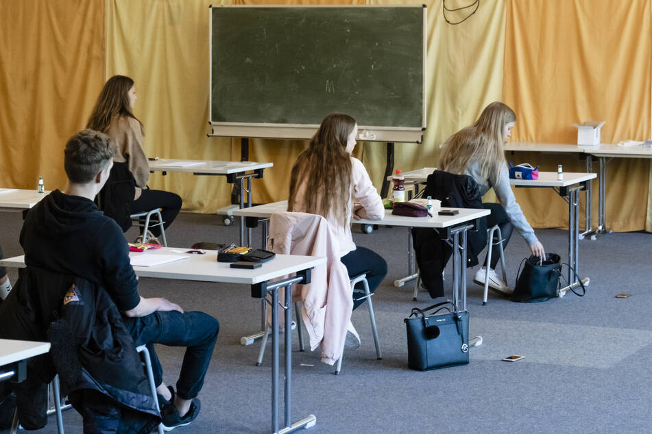 Abiklausuren unter Corona-Bedingungen beginnen in NRW
