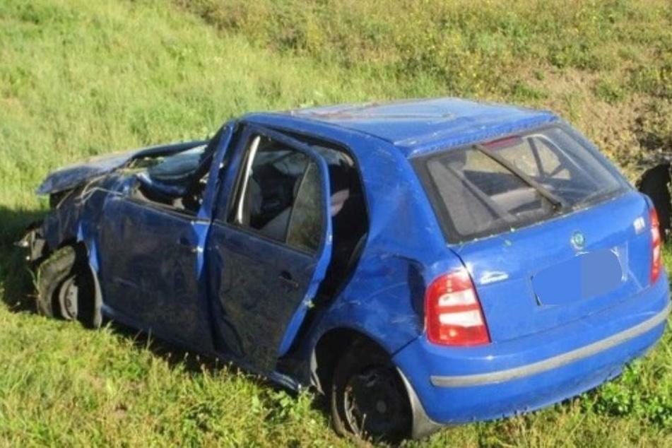Über eine Stunde musste der Fahrer auf seine Rettung warten.