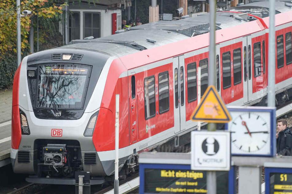 Eigentlich sollten schon viel mehr Züge der neuen Baureihe 490 in Hamburg fahren. (Archivbild)