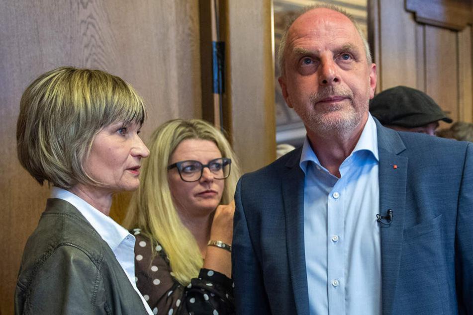 Geschockt: Oberbürgermeisterin Barbara Ludwig (57, SPD), Susanne Schaper (41, Linke) und Detlef Müller (54, SPD).