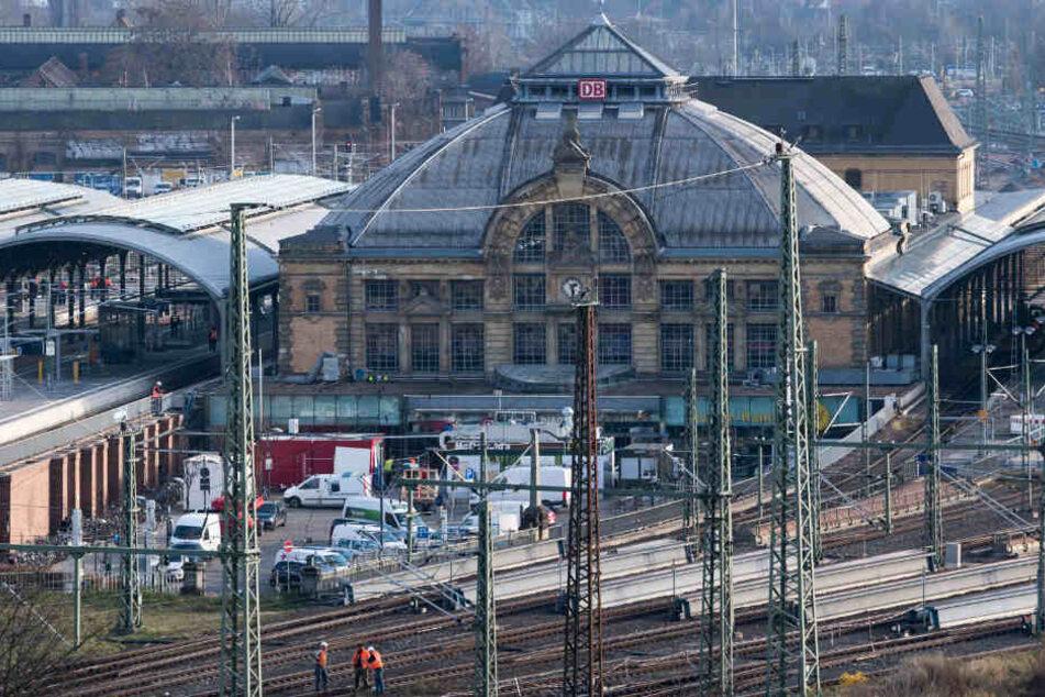 Der Hauptbahnhof in Halle (Saale) wird seit Jahren für hunderte Millionen Euro umgebaut.