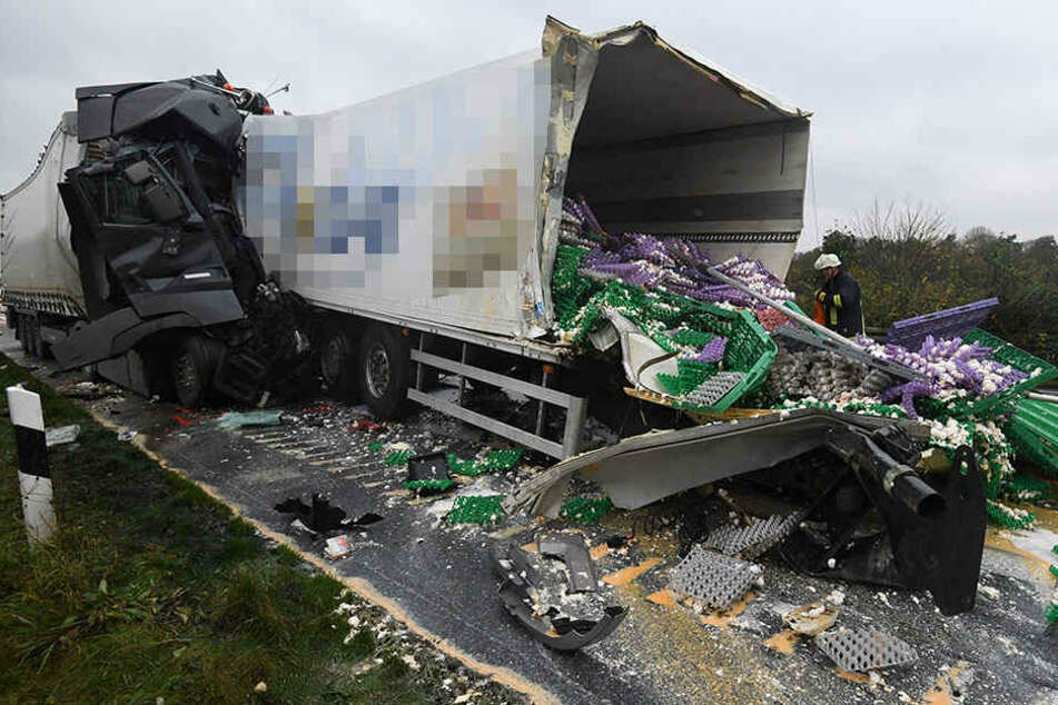 Ein Truck war mit tausenden Eiern beladen.