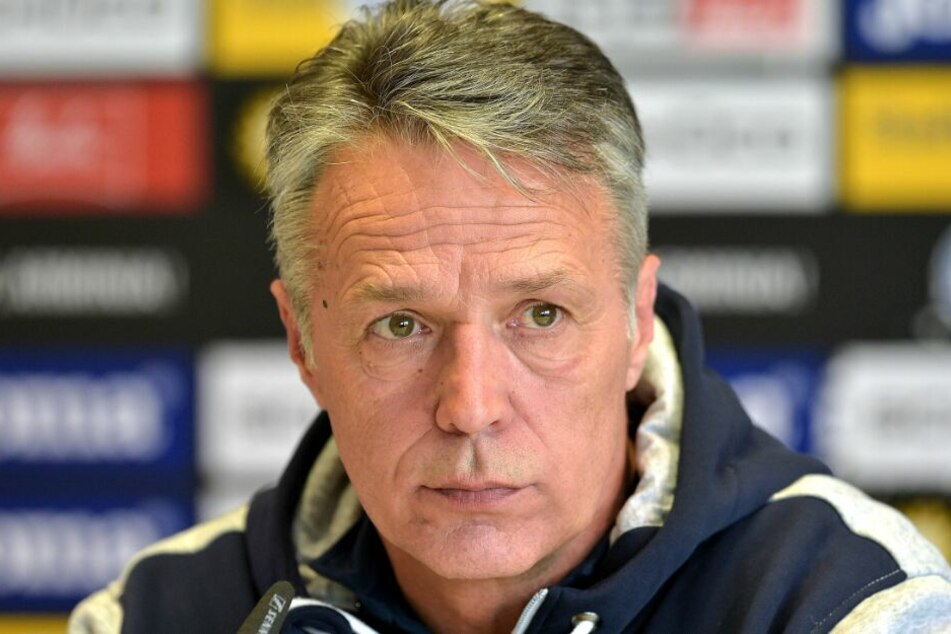 Trainer Uwe Neuhaus hat keine Zeit für Sentimentalität - er will mit Arminia gewinnen.