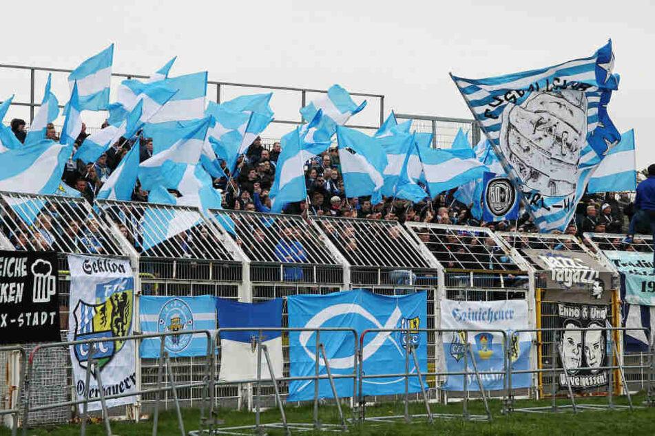 Die mitgereisten CFC-Fans sahen nach einer 2:0-Führung noch eine 2:4-Niederlage ihrer Mannschaft bei Lok Leipzig.