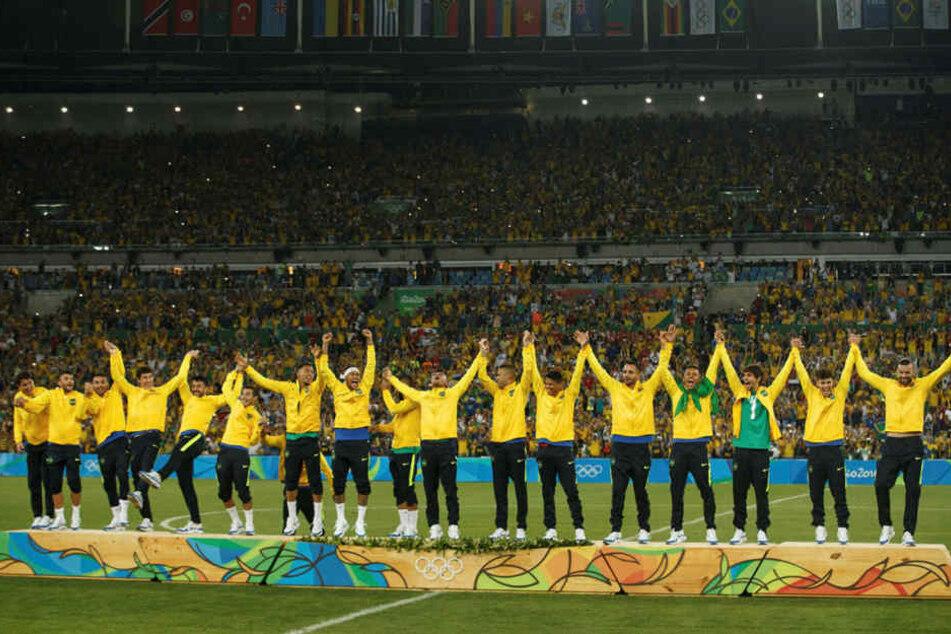 Zwei Jahre nach der 1:7-Demütigung bei der WM feierten 75.000 Fans in Rio den Janeiro nach einem dramatischen Endspiel leidenschaftlich den historischen Triumph.