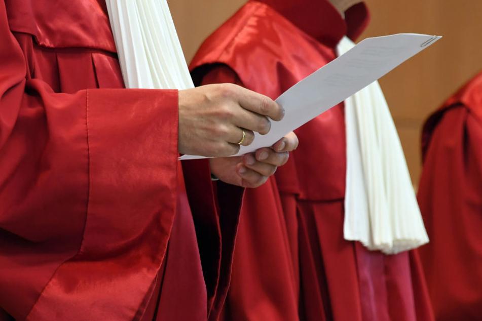 Das Bundesverfassungsgericht fordert die Eintragung des dritten Geschlechts ins Geburtenregister.
