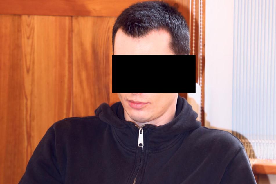 Lars M. (34) muss sich derzeit vor dem Amtsgericht Bautzen verantworten.
