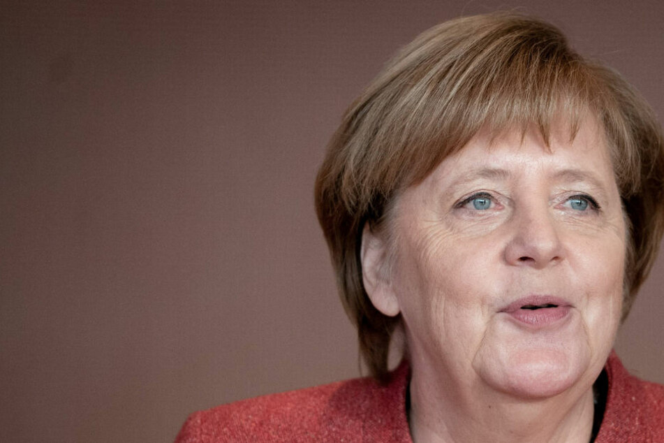 """""""Trage ich innerhalb von zwei Wochen viermal den gleichen Blazer, dann erzeugt das Bürgerpost"""", verriet Merkel im Interview"""