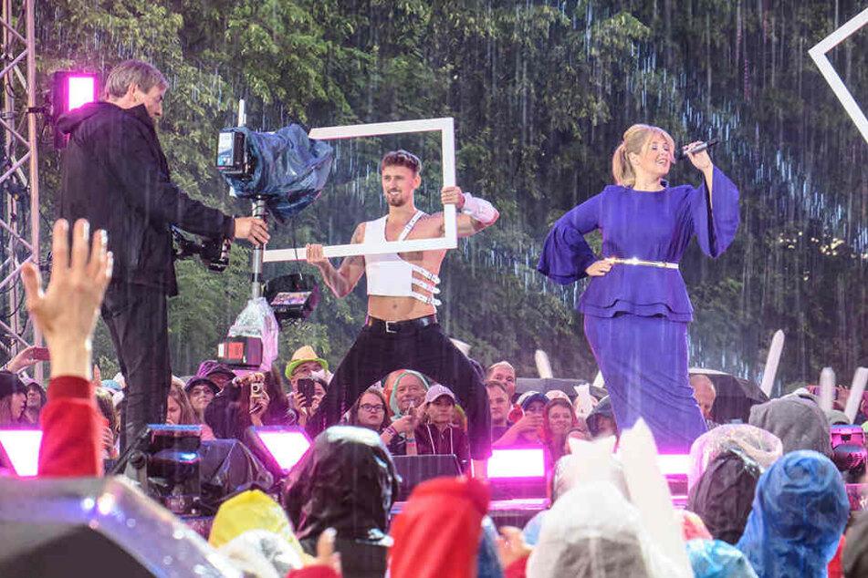 Bei diesem sexy Tänzer wären wir, wie Maite Kelly, auch auf der Bühne geblieben.