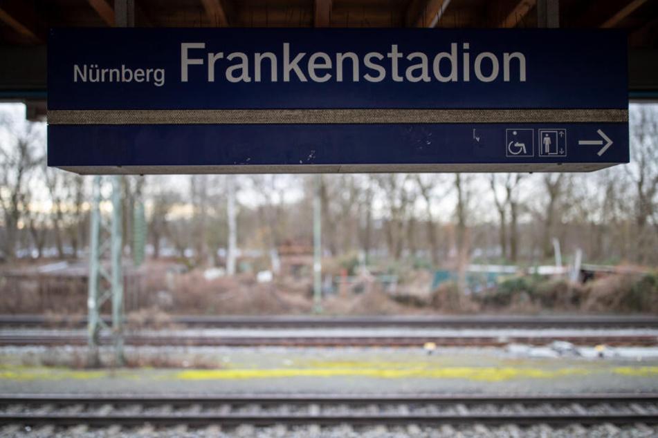 Jugendliche vor S-Bahn geschubst und getötet