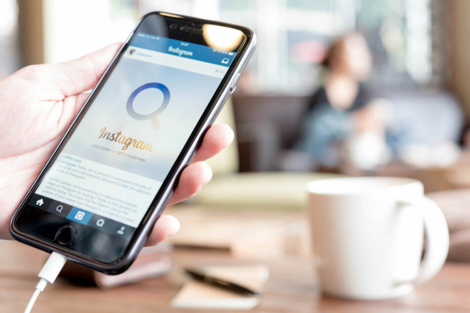 Mit dem Smartphone lassen sich schnell böse Kommentare tippen. (Symbolbild)