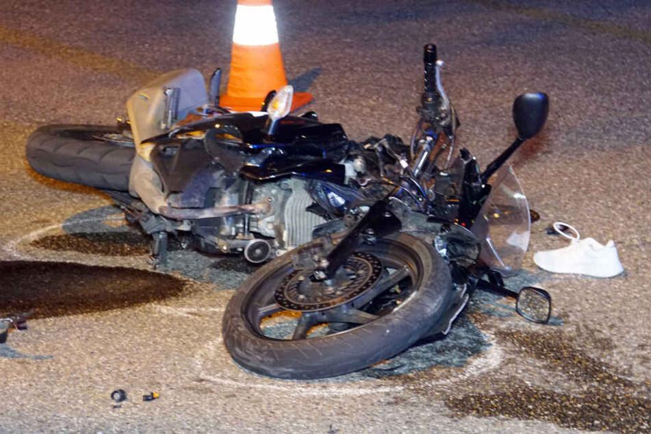 autofahrer bersieht motorrad 17 j hrige schwer verletzt. Black Bedroom Furniture Sets. Home Design Ideas