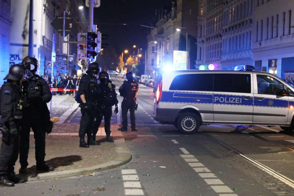 Leipzig: Vermummte attackieren Polizisten in Connewitz, eine Person festgenommen
