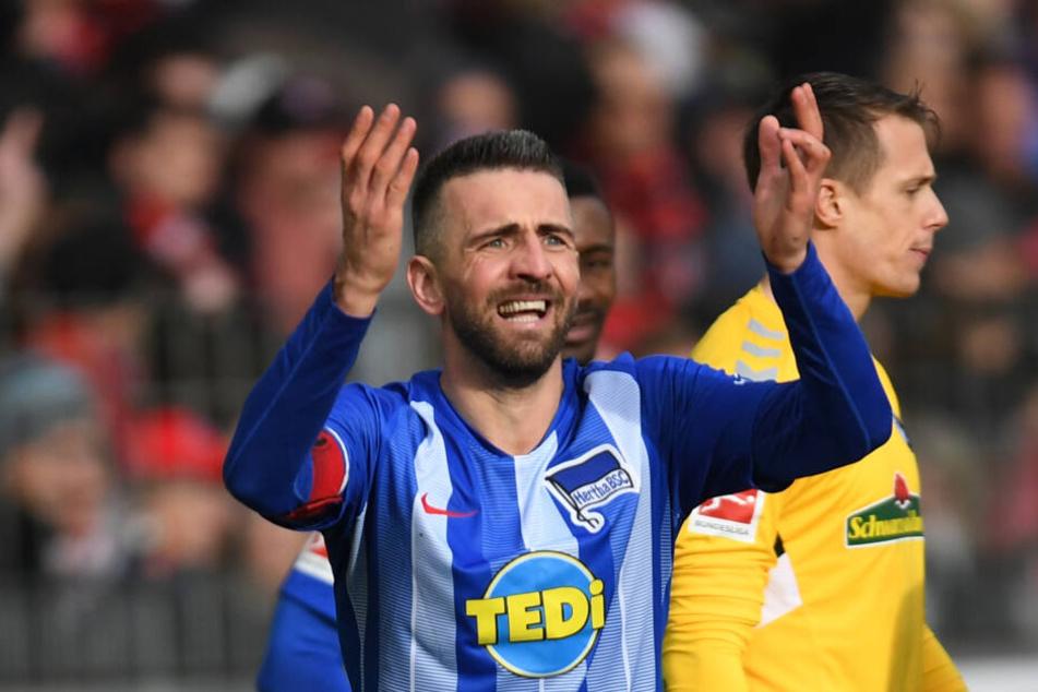Die Vertragsverhandlungen von Hertha-Stürmer Vedad Ibisevic ziehen sich schon seit Monaten.