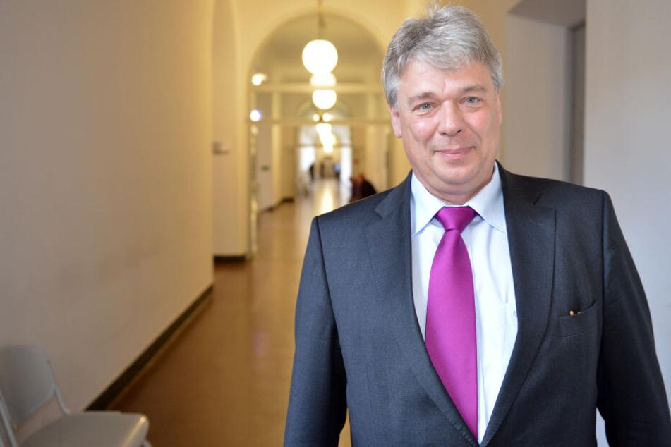 """Der Jurist Rolf Rattunde befasste sich als Insolvenzverwalter mit mehreren über Berlin hinaus beachteten Fällen - zuletzt der Bäckereikette """"Lila Bäcker""""."""
