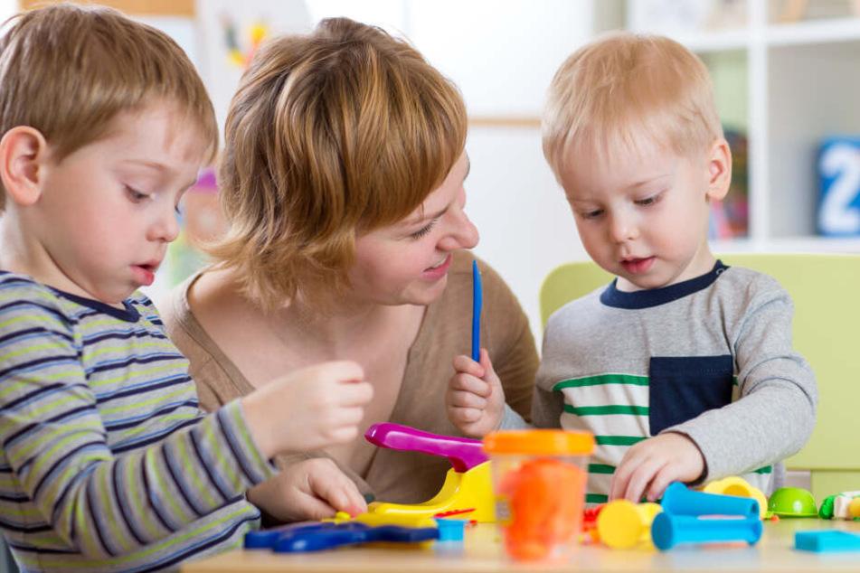 """Im """"PinguDu"""" können die Kinder betreut werden, während die Eltern Termine erledigen oder Einkaufen wollen (Symbolbild)."""