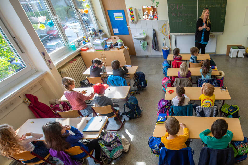Verwaltungsgericht urteilt: Schulen und Kindergärten in Sachsen dürfen vom Mindestabstand abweichen