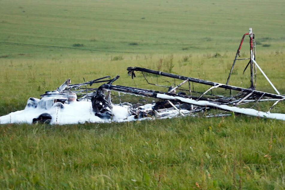 Dieses Flugzeug musste nahe Hartenstein im Landkreis Zwickau zur Notlandung ansetzen.