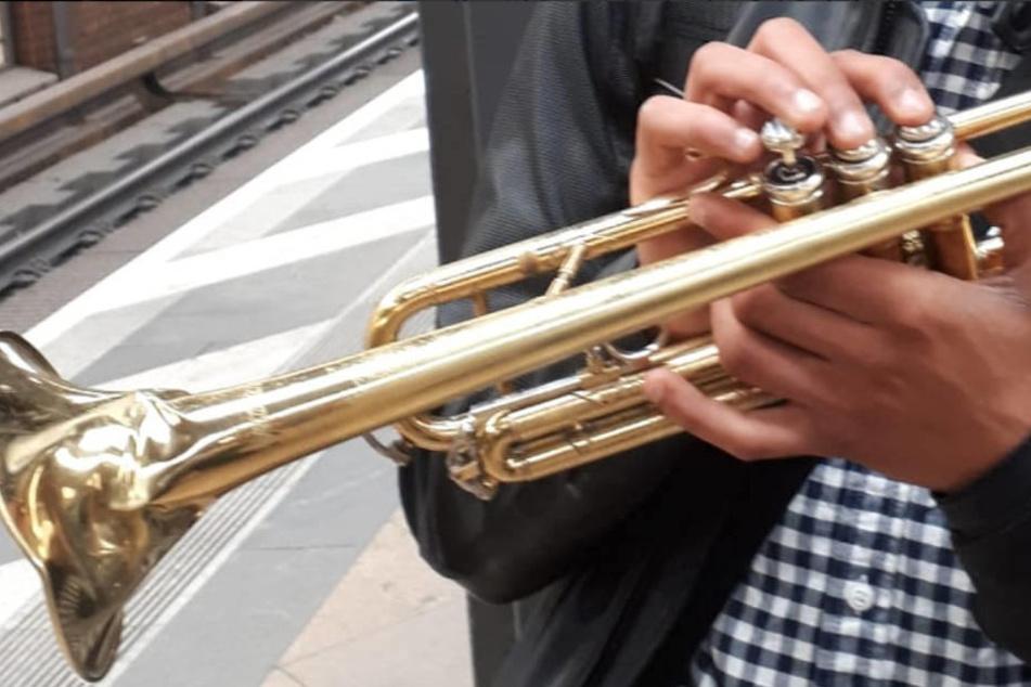 Zu laut gepustet: Dieser Musiker hat Ärger am Hals.