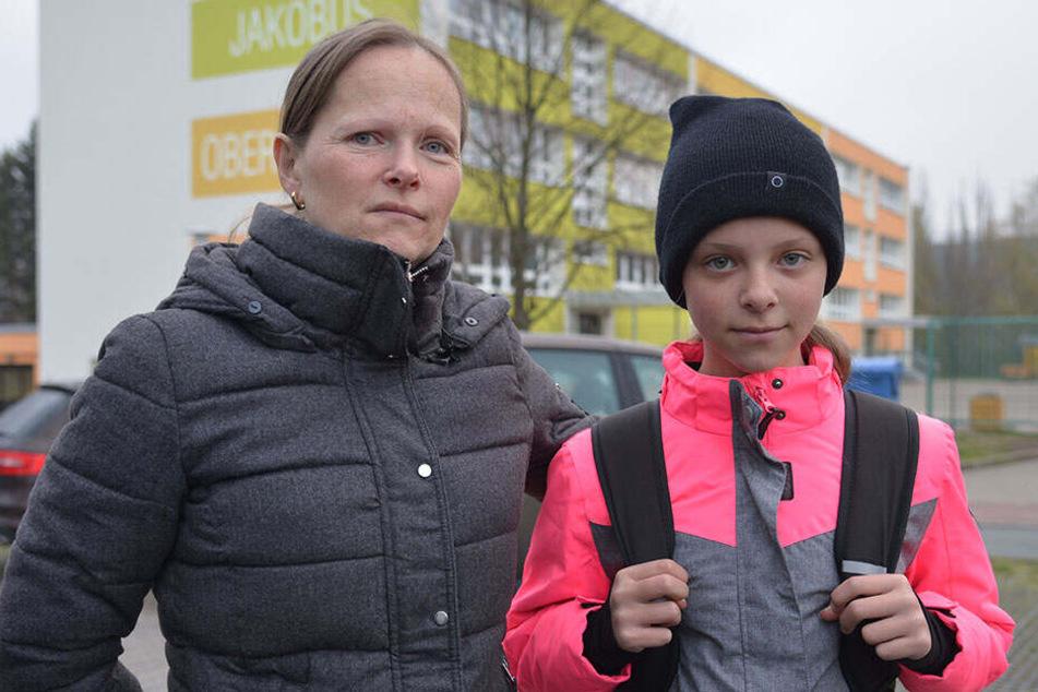 Claudia Chirol (42) hat Angst um Tochter Estelle (11) und fährt sie vorsichtshalber zur Schule.