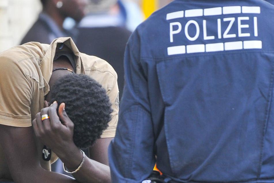 """""""Keine Zweifel""""! Polizei rechtfertigt Schuss auf randalierenden Flüchtling"""