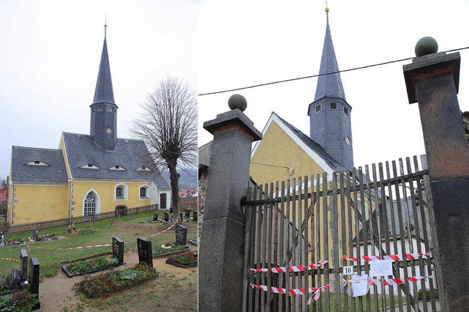Trauriges Bild in Markersdorf, Ortsteil Jauernick-Buschbach: Kirche und Friedhof sind gesperrt.