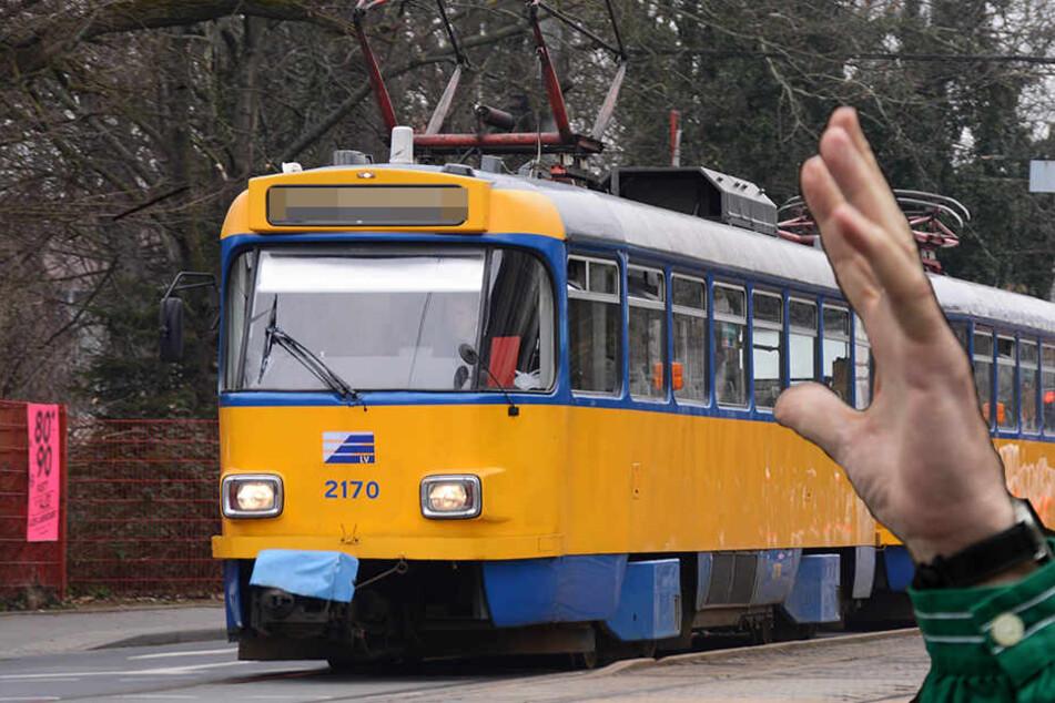 Ein 60-jähriger schlug am Dienstagmorgen in der Straßenbahn einem jungen Mädchen (15) ins Gesicht. (Symbolbild)