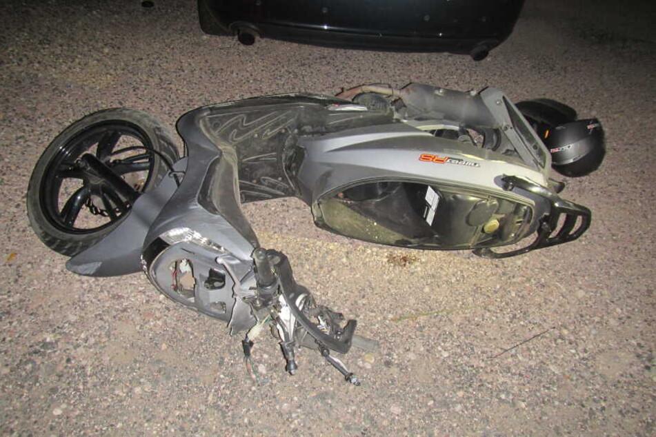 Der 15-Jährige starb noch an der Unfallstelle.